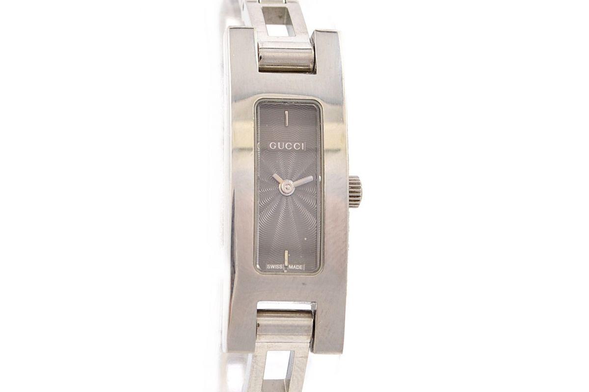 2ad6268a055 Previous. Next. Vintage Gucci 3900L Stainless Steel Ladies Petite Quartz  Watch