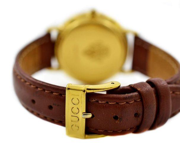 Pre-Owned Gucci Quartz Midsize Watch 3000.2.M leather