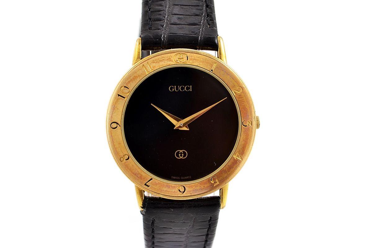 2008ba20cb1 Gucci 3300.2.M Quartz Midsize Watch