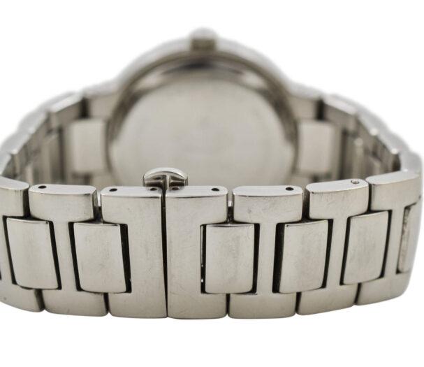 Vintage Gucci 8900M Quartz Stainless Steel Gents Midsize Watch 1940