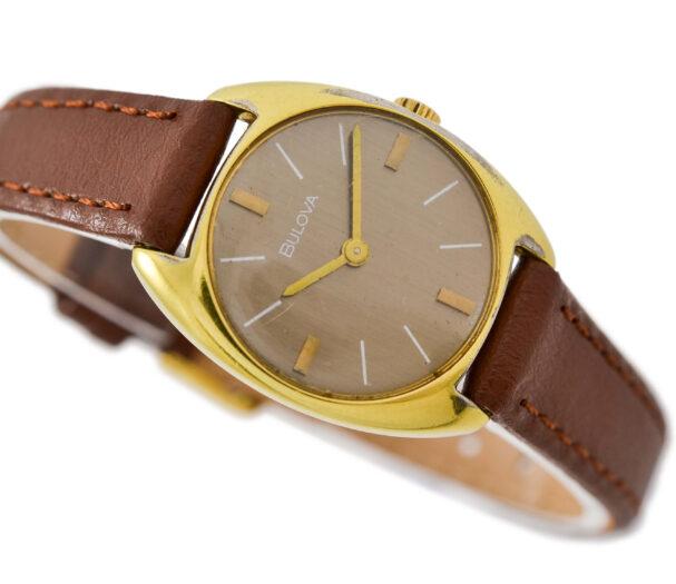 Vintage Bulova 832-2 Manual Wind Gold Plated Ladies Watch 1999